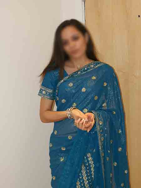 kirti-house-wife-escorts-in-mumbai